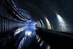Заброшенная база подводных лодок в Балаклаве, Украина. Хотя эта база не до конца заброшена, она все равно впечатляет. До ее закрытия в 1993 году она была одной из самых секретных баз на территории СССР. Сегодня это Государственный морской музей.(700x466, 219Kb)