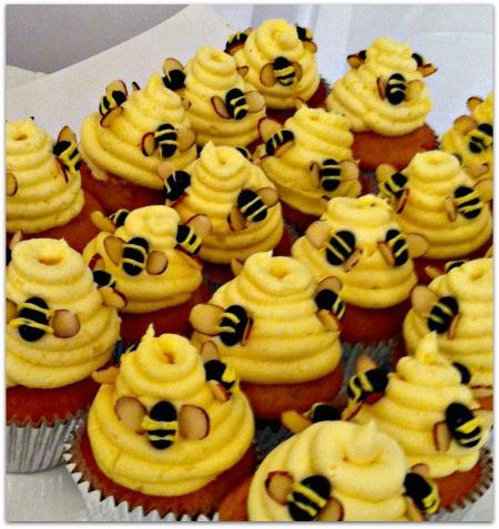 Bee-Cupcakes-K.-Vetrano-SheScribes.com_1 (450x477, 291Kb)