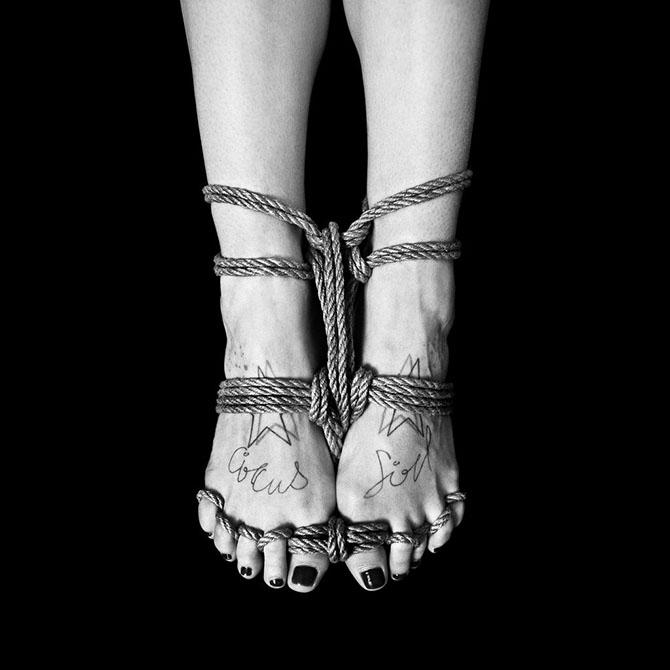 черно-белые фото Бенуа Курти 5 (670x670, 116Kb)