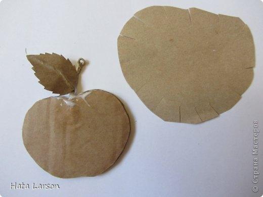 Сувениры - магнитики ЯБЛОЧКИ из картона и прищепок (3) (520x390, 65Kb)