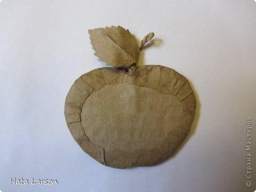 Сувениры - магнитики ЯБЛОЧКИ из картона и прищепок (5) (520x390, 63Kb)
