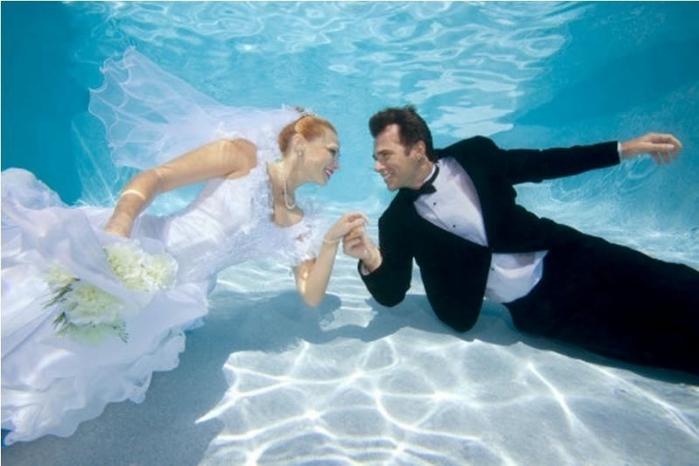 оригинальные свадебные фотографии 5 (700x466, 185Kb)