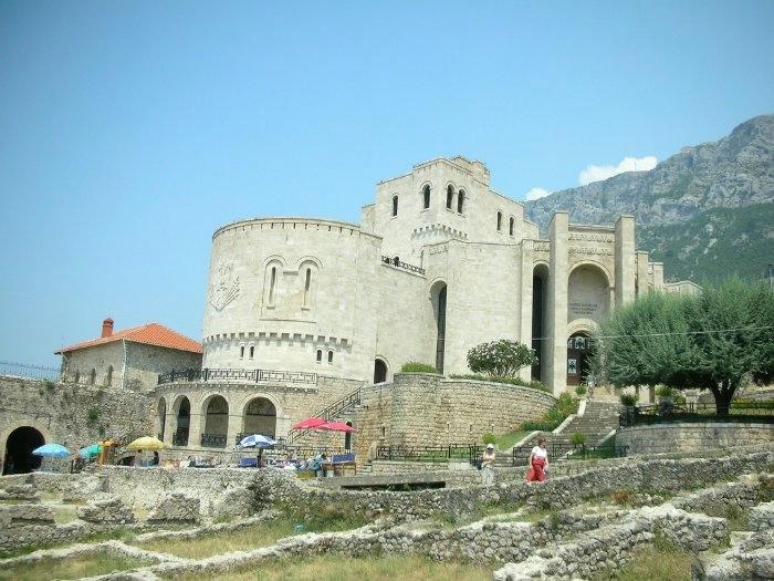 6 Крепость Круя (700x525, 206Kb)