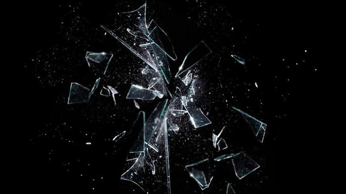SmashedGlass (700x393, 47Kb)
