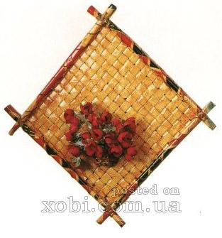 плетение из газет. панно из полосок (4) (313x335, 75Kb)