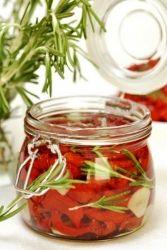 kak_hranit_vyalenye_pomidory (167x250, 12Kb)