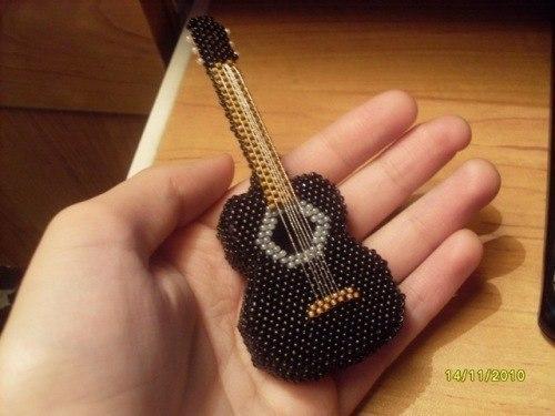 Ты можешь сплести гитару из