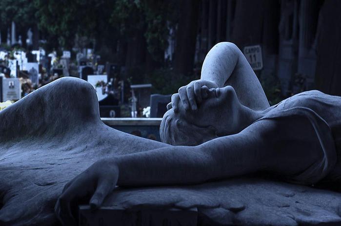 1. Прославленное на весь мир генуэзское кладбище Кампо-Санто или Стальено было открыто в открыто в 1851 году Ресаско, а особое его развитие пришлось на времена Первой Мировой Войны (700x465, 275Kb)