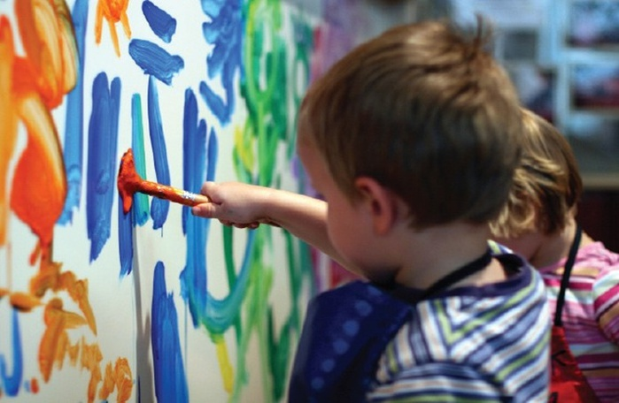 дети рисуют (700x456, 96Kb)
