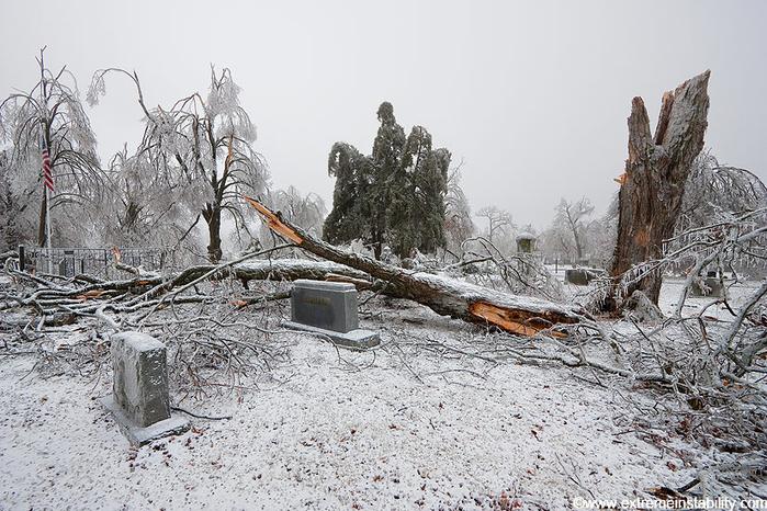 ice_tornado_50 (700x466, 392Kb)