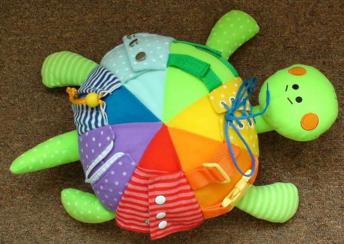 Развивающая игрушка своими руками для детей от года