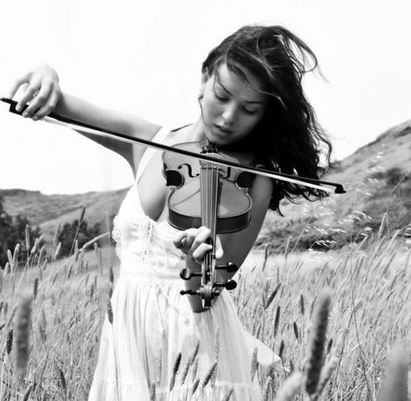 женщина-и-музыка-6 (600x585, 147Kb)