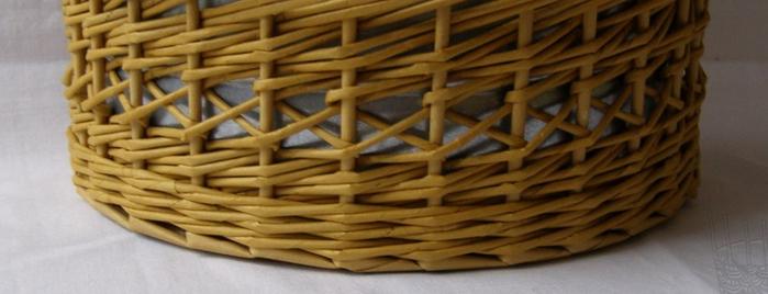 Плетение из газет. Интересный узор для корзинки. Мастер-класс (1) (700x268, 271Kb)
