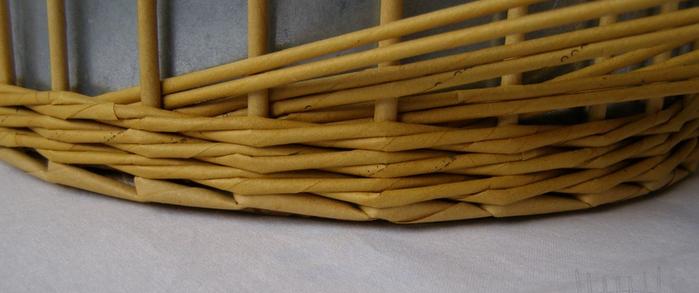Плетение из газет. Интересный узор для корзинки. Мастер-класс (2) (700x293, 285Kb)