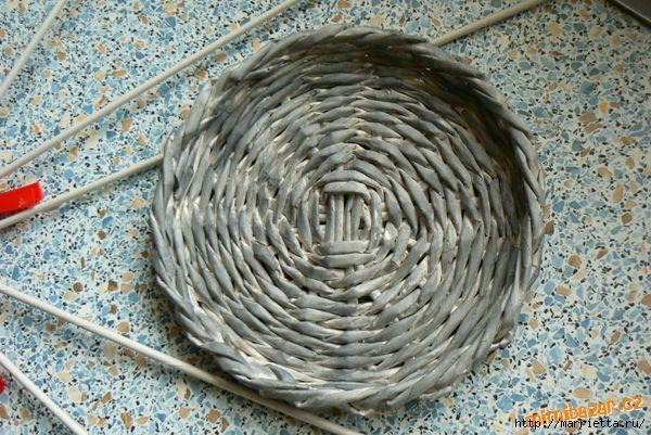 Плетение из газет. Идеи и мастер-класс на донышко плетенки (44) (600x401, 214Kb)