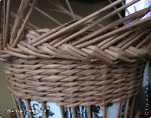 плетение из газет. кашпо для цветов (7) (520x405, 112Kb)
