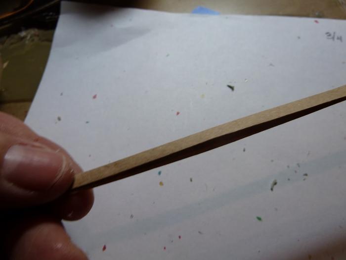 Миниатюрное ведерко из пластикового стаканчика и упаковочной бумаги (8) (700x525, 132Kb)