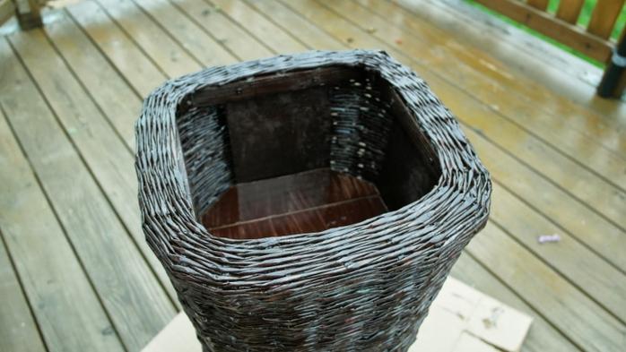 Плетение из газет. Высокое кашпо для комнатного фикуса (17) (700x393, 195Kb)