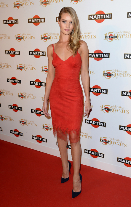 ROSIE HUNTINGTON-WHITELEY AT THE MARTINI 150TH ANNIVERSARY PARTY, LAKE COMO, ITALY (442x700, 385Kb)