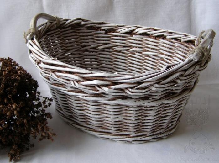 Плетение из газет. Мастер-класс по плетению верха корзинки (21) (700x520, 256Kb)
