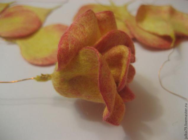 Сухое валяние роза44 (635x476, 136Kb)