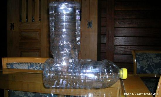 Фидер из пластиковых бутылок для кормления домашних питомцев (4) (550x334, 94Kb)