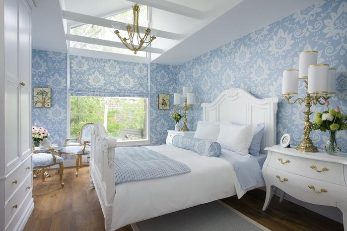 Дизайн спальни бордовые обои
