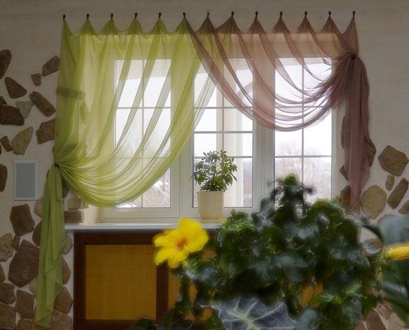 Оформить окно на кухне фото