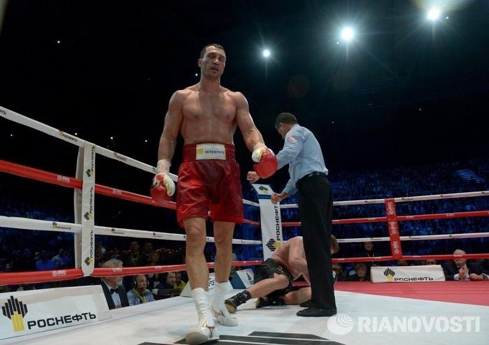Владимир Кличко против Александра Поветкина 00 (700x494, 208Kb)