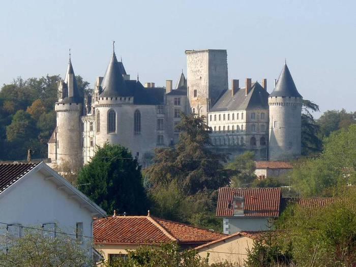 Larochef_castle2 (700x525, 56Kb)