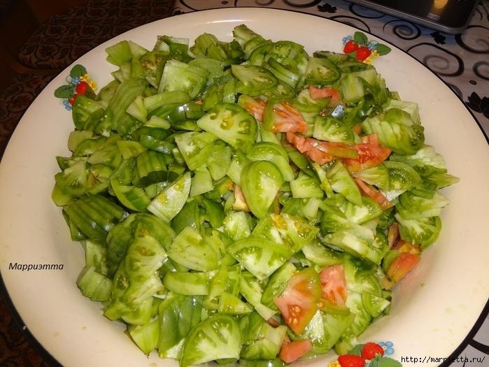 Салат из зеленых помидор с морковкой (3) (700x525, 304Kb)