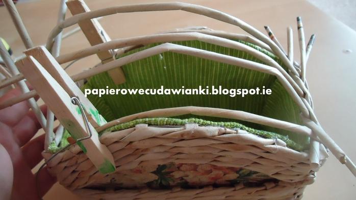 Плетение из газет. Шкатулка-сундучок из коробки. Мастер-класс (22) (700x393, 192Kb)