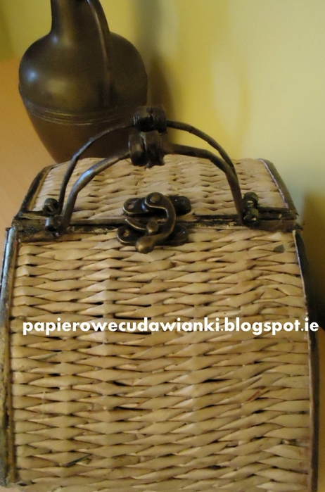 Плетение из газет. Шкатулка-сундучок из коробки. Мастер-класс (26) (462x700, 227Kb)