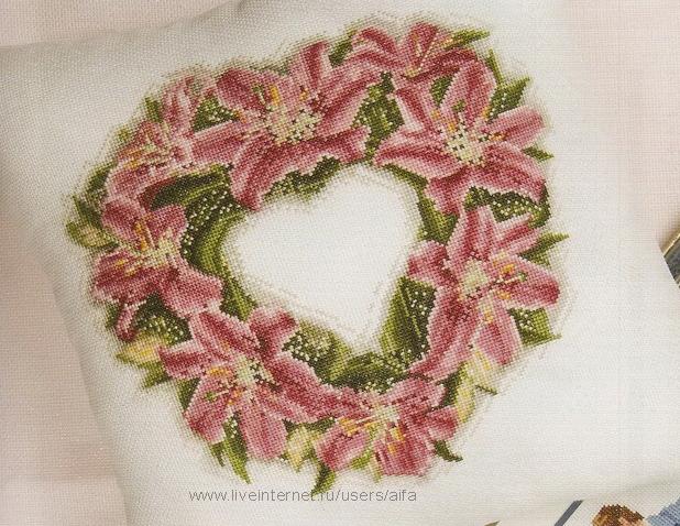 Подушка, венок, лилии вышивка