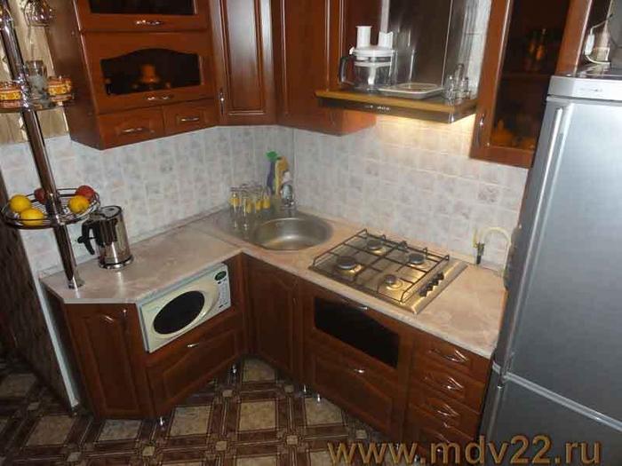 дизайн кухни в хрущевке (31) (700x525, 231Kb)