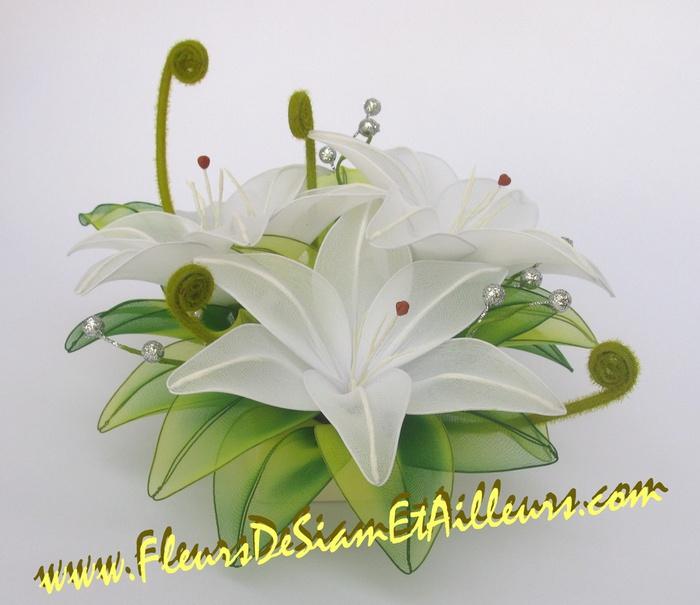 Белые лилии (700x605, 110Kb)