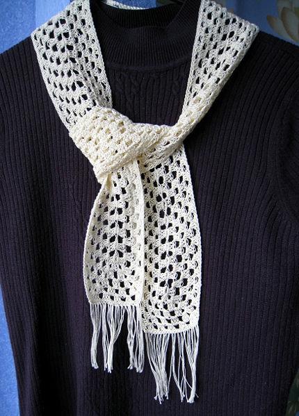 Вяжите легкий элегантный шарф