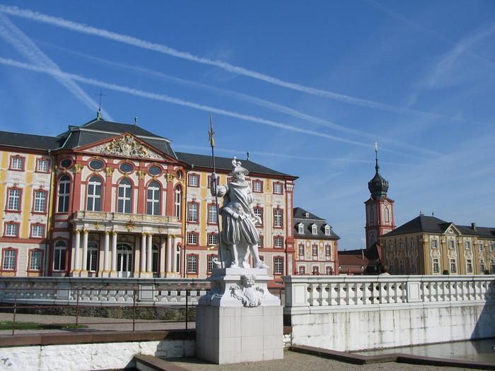Schloss_Bruchsal_Gartenfront (700x525, 109Kb)