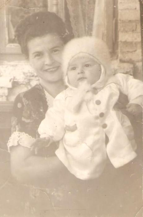 я с мамой 001 (462x700, 22Kb)