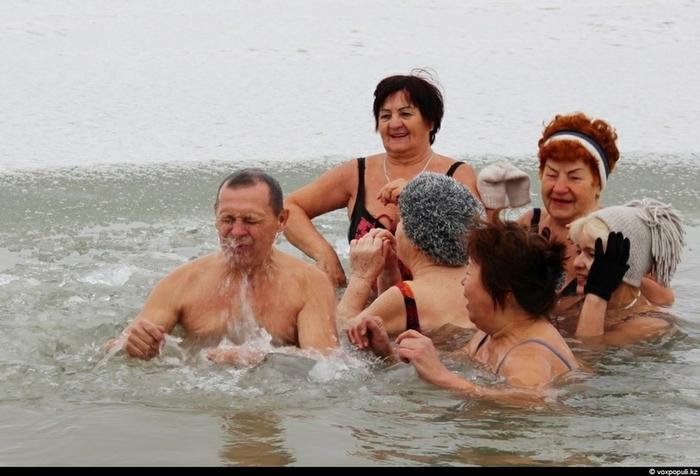 winterswimmersirtysh001-17 (700x476, 219Kb)