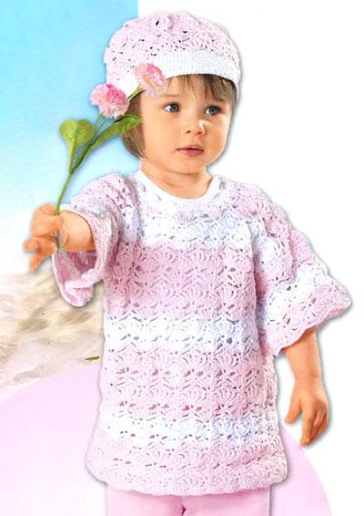 розово-белый пуловер и шапочка вязаные крючком.