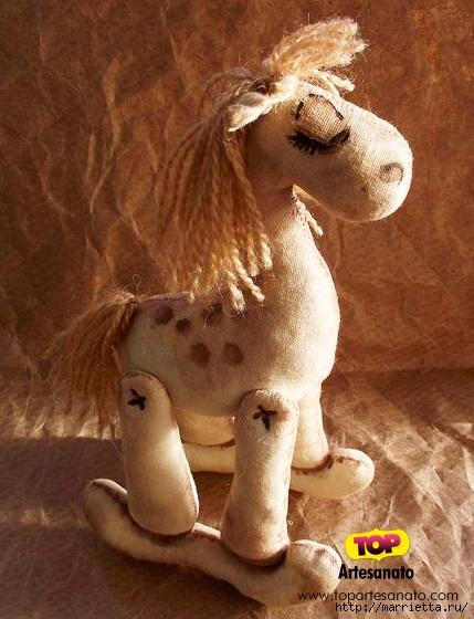 Шьем игрушки кофейную лошадку, улитку, совушку, снеговика и подушку-собачку (21) (429x560, 203Kb)