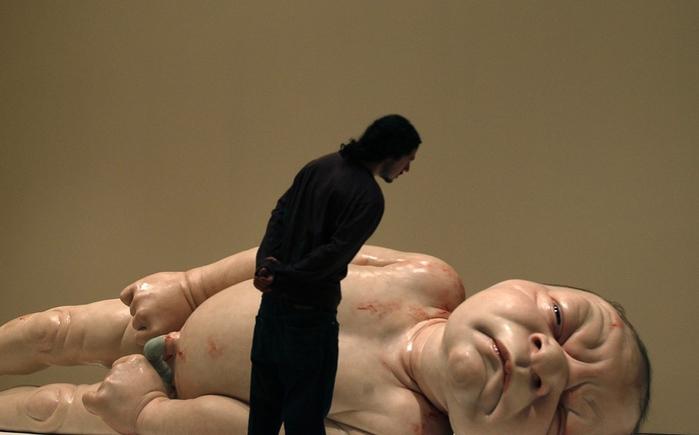 скульптуры Рона Мьюека 3 (700x435, 158Kb)