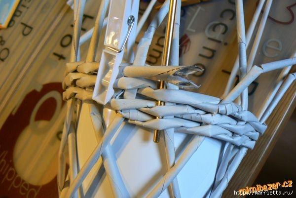 Плетение из газет. Винтажное кашпо из газетных трубочек. Идеи и мастер-класс (22) (600x401, 133Kb)