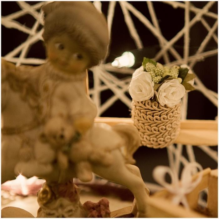 Замечательный ночник и новогодние елочные игрушки из ниток (15) (700x700, 326Kb)