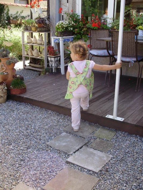 Шьем сами фартушек для маленькой девочки. Мастер-класс (28) (480x640, 223Kb)