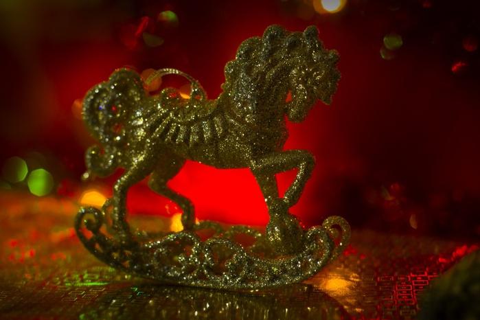 Новый-год-лошади-2014-1355304704_99 (700x466, 101Kb)