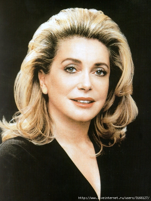 catherine_deneuve_levenement_mars2002_2 (523x700, 299Kb)