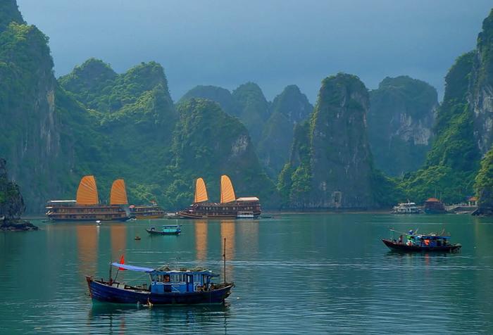 бухта-Халонг-Вьетнам (700x476, 98Kb)