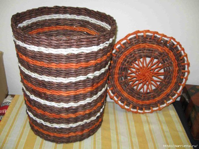 Плетение из газет. Интересный вариант плетния для панно или крышки корзинки (13) (700x525, 205Kb)